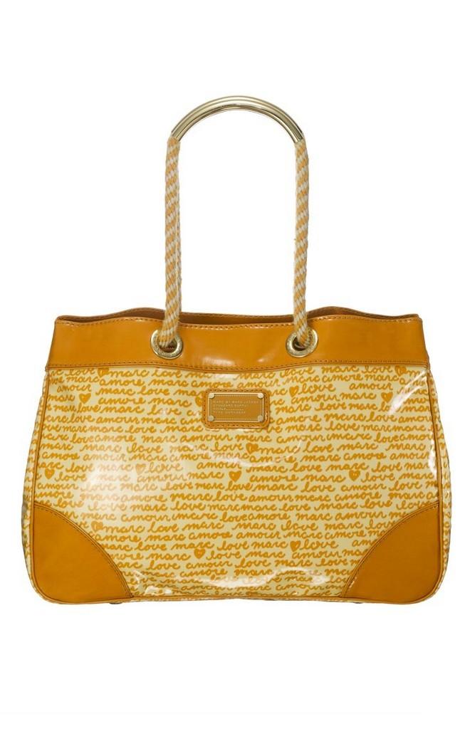 Распродажа брендовых сумок, брендовой одежды и обуви